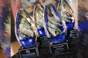 awards 400x265